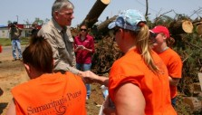 Franklin Graham Tours Tornado Aftermath