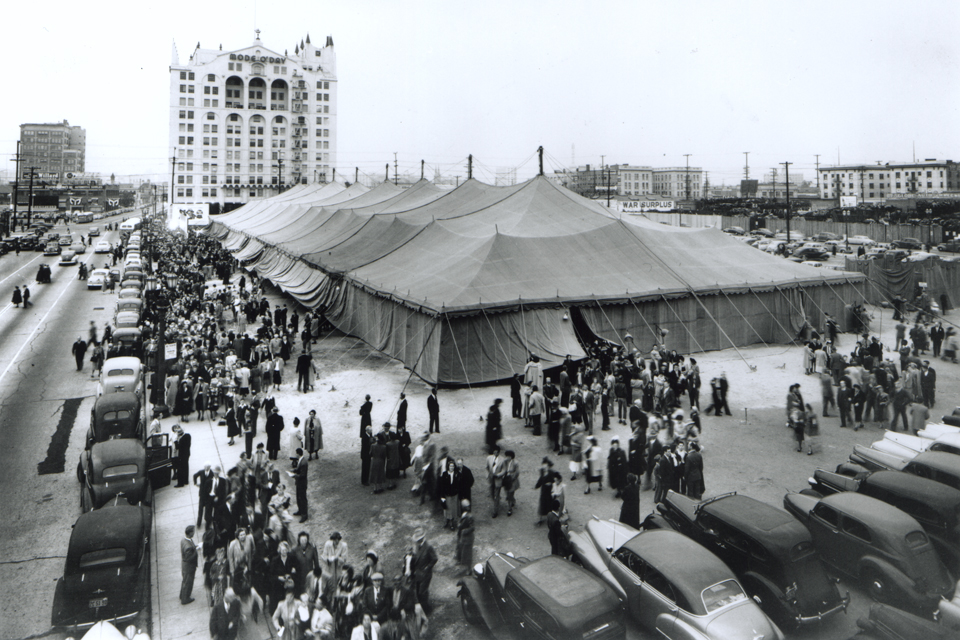 Tent Crusade in 1949 in L.A.