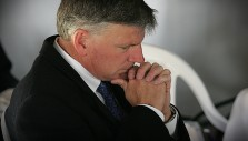 Franklin Graham: 'Praying for Those in Authority is a Biblical Command'