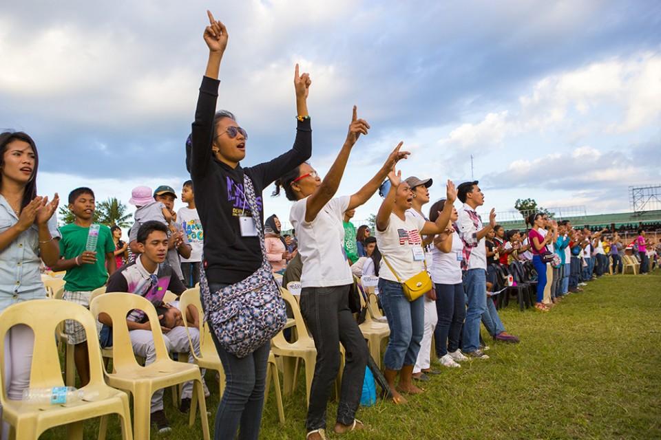 Women praising God