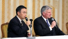 Franklin Graham Addresses Tokyo Media: 'God Loves the Japanese People'
