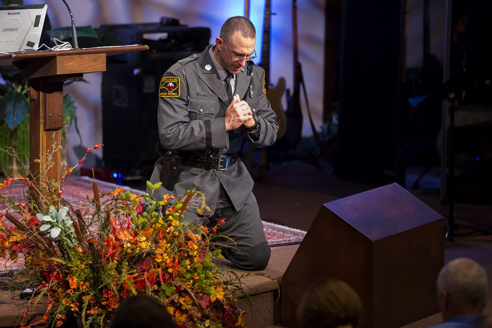 Officers, Spouses Spiritually Refreshed at Law Enforcement