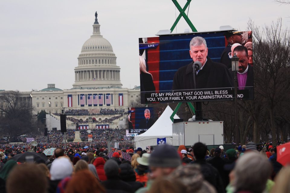 Franklin Graham reading Scripture