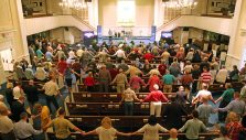 PHOTOS: Hundreds Attend Prayer Meeting for Decision America Tennessee Tour