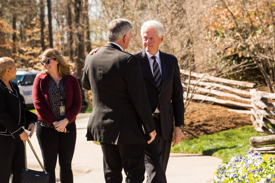 Franklin Graham talks with President Clinton