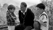 10 Quotes from Billy Graham on Fatherhood