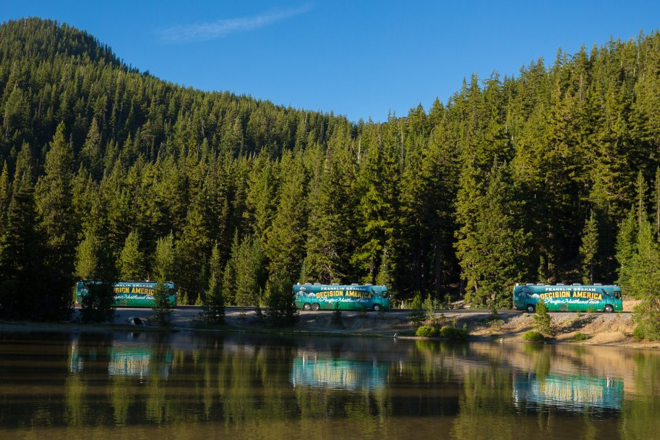 Pacific Northwest Tour buses