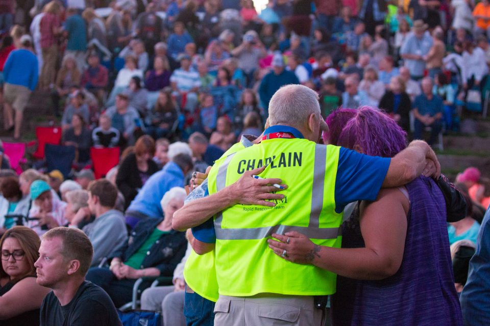 Group prays in Bend, Oregon