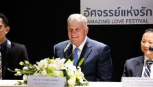 Franklin Graham Preaching in Bangkok
