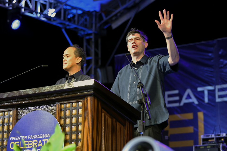 Will Graham preaching in the Philippines