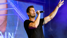 'It's All Worth It': Jeremy Camp Explains Why He Sings for Christ