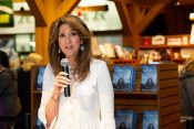 Pilot Tammie Jo Shults Shares Her Faith at Billy Graham Library