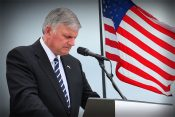 Franklin Graham Calls for Nationwide Prayer Today