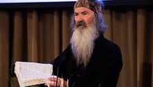 'You Got One Shot': Duck Commander Phil Robertson Shares Gospel at Library Event