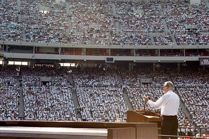 Billy Graham in Stadium