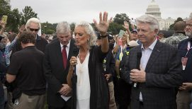Anne Graham Lotz to a Nation in Crisis: 'It's Time to Look Up'
