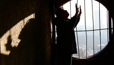 5 Ways to Pray for Persecuted Christians