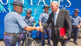 Franklin Graham: Chaplains Expanding Ministry to Police Officers in 2021