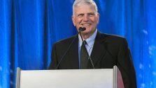 Franklin Graham: Pray for Gospel Opportunities in 2021