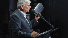 Franklin Graham: Hold Fast to God's Word