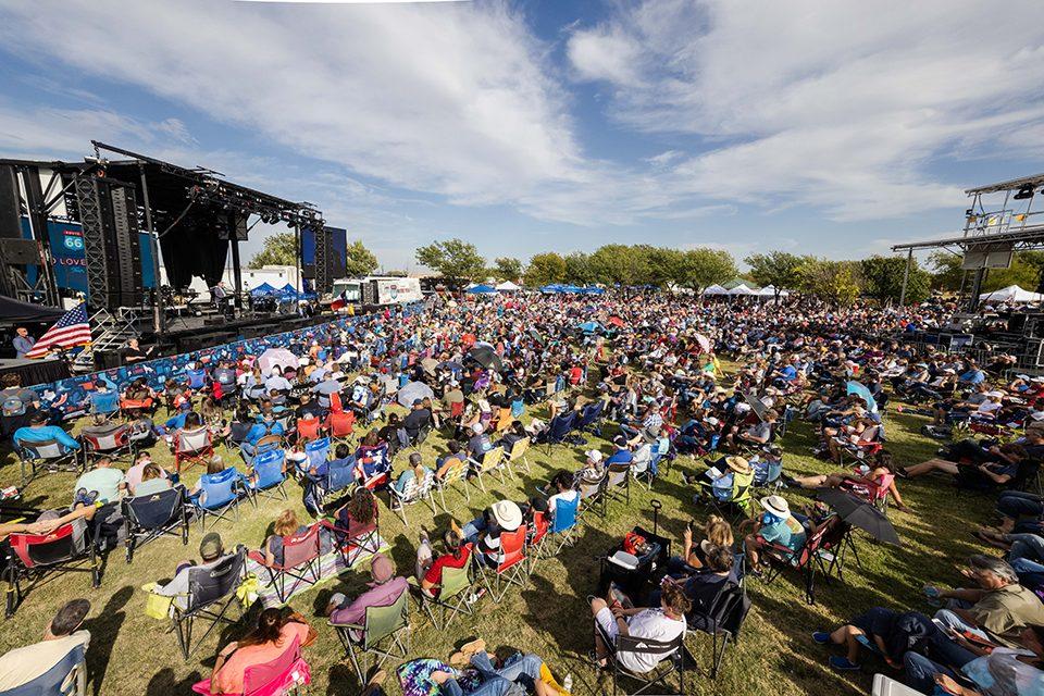 crowd in Amarillo Texas