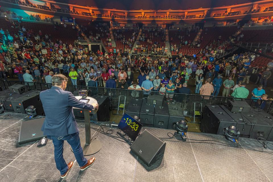 crowd in Iowa