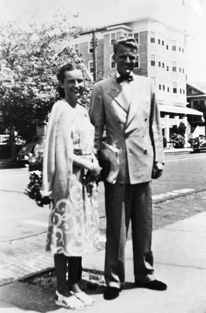 Billy And Ruth A Love Story Begins The Billy Graham