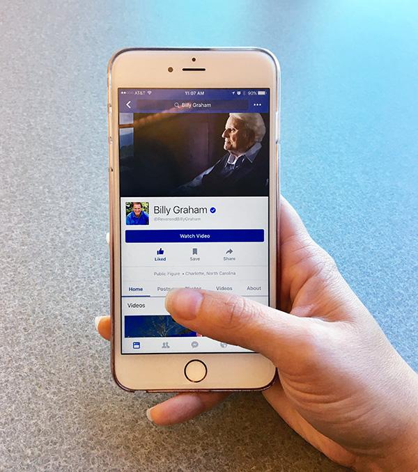 Phone Facebook-2
