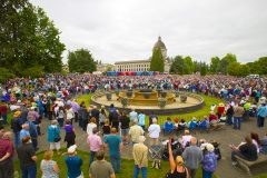 Olympia, Washington: Stop #31—Some 5,800 Washington citizens gathered at the capitol's grounds in Olympia on June 29, 2016, as part of the Decision America Tour.