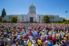 Salem, Oregon: Stop #30—Some 3,600 Oregon citizens gathered on the north steps of the capitol in Salem on June 28, 2016, as part of the Decision America Tour.