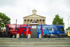 Nashville, Tenn.: Stop #20 – Some 8,600 Tennesseans gathered at the Legislative Plaza in Nashville on May 3, 2016, as part of the Decision America Tour.