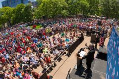 Madison, Wis.: Stop #28 – Some 5,600 Wisconsin citizens gathered at capitol's plaza area in Madison on June 15, 2016, as part of the Decision America Tour.