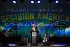 Franklin Graham encourages thousands of people at Bi-Mart Amphitheater in Medford, Oregon, to pray for the country and their communities at the first stop on Decision America Pacific Northwest Tour.