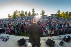Aug. 3, 2018: Franklin Graham encourages more than 5,000 people gathered at Life Amphitheater of Bend in Bend, Oregon, to pray for the country and their communities.