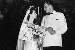 Billy Graham marries Ruth McCue Bell on Aug. 23, 1943; she died June 14, 2007, at age 87.
