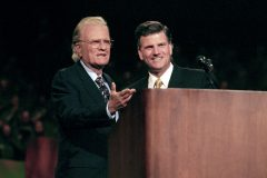 Billy Graham founded the Billy Graham Evangelistic Association in 1950. His son Franklin (right) has served as CEO and president of the organization since 2000 and 2001, respectively (photo: Ottawa, Ontario, 1998).