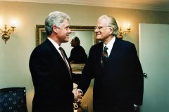 Billy Graham meets with President Bill Clinton. Photo courtesy of the Clinton Foundation.