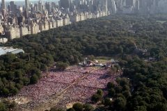 Two hundred and fifty thousand people gather in New York's Central Park in 1991, becoming the largest one-day audience at a U.S. Billy Graham Crusade.