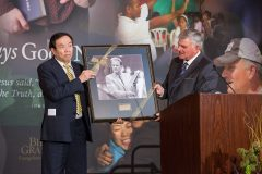 CHARLOTTE, N.C., Sept. 28, 2018—Franklin Graham presents a portrait of his father Billy Graham to Chinese artist Yuan Xikun in gratitude for the two sculptures unveiled at the Billy Graham Evangelistic Association headquarters.