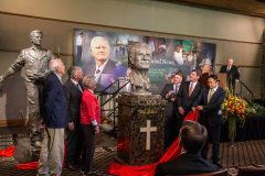 """CHARLOTTE, N.C., Sept. 28, 2018—A bust by Chinese artist Yuan Xikun entitled """"Billy Graham as Messenger"""" is unveiled during a ceremony at the Billy Graham Evangelistic Association headquarters."""