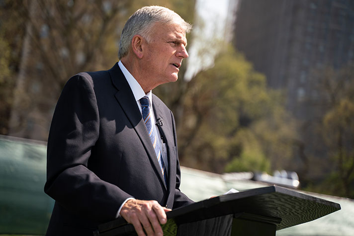 Billy Graham 2020 Christmas Schedule News from the Billy Graham Evangelistic Association ― March 2020