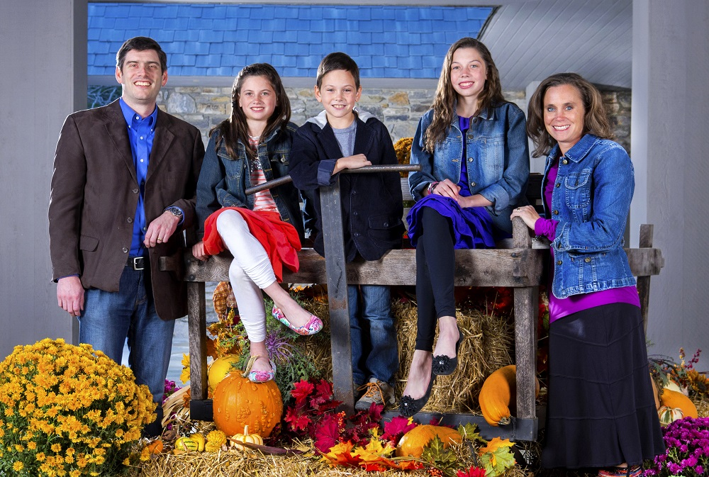 Wil and Kendra Graham and family pic 2013