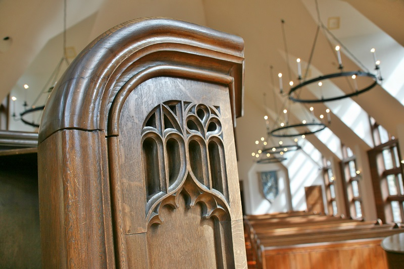 Closeup_Pulpit_Chapel_800x800