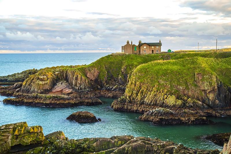 Scotland mossy rock near ocean Wil Graham preaching in Scotland Oct 2016 2 bright