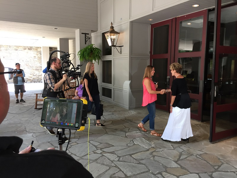 GG video promo shoot Gigi greeting guests sm