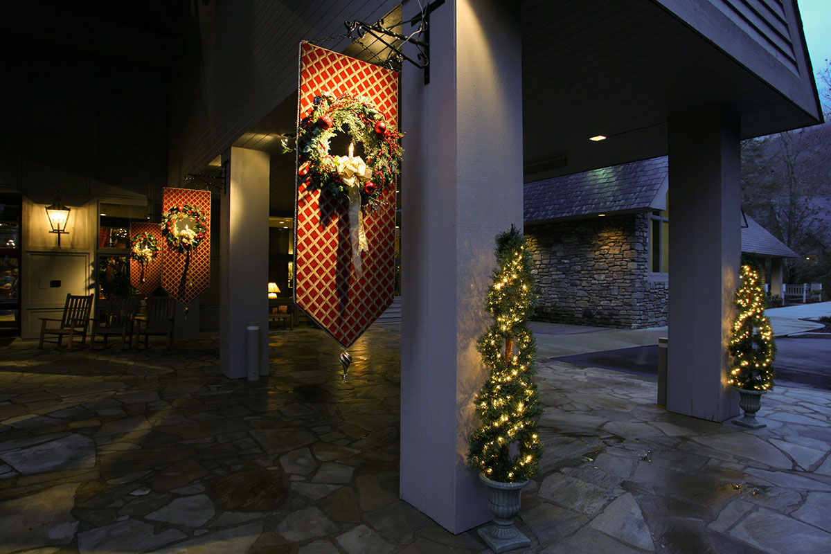 The Cove at Christmas